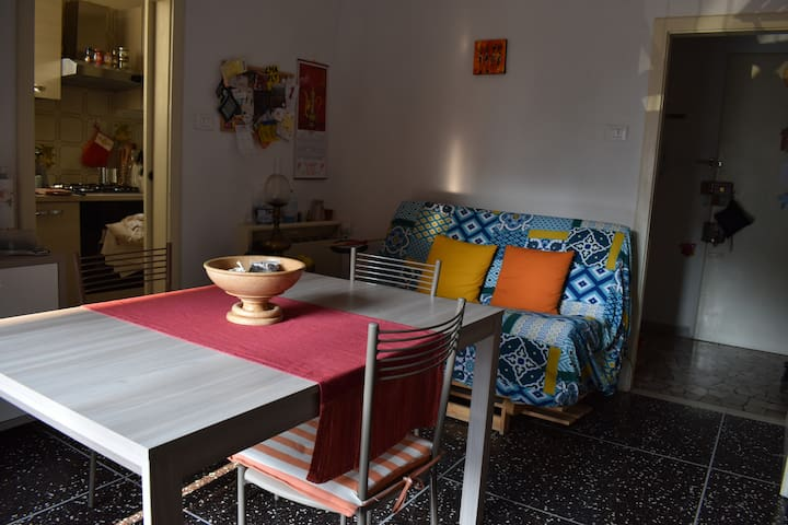 Comfortable sofa bed close to station/Fiera/Unipol