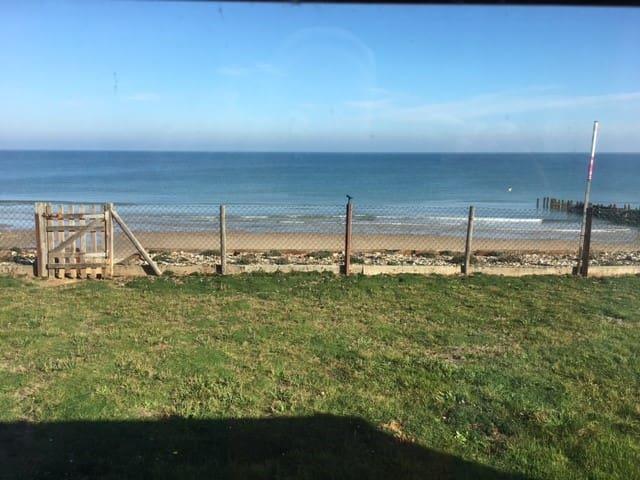 We'll Sea, Beach house at Walcott, North Norfolk.