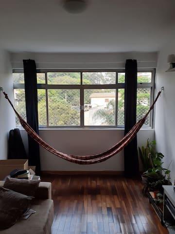 Apartamento do lado metrô Vila madalena. Delícia!