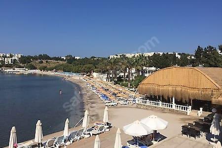 Apartment by the sea view - Turgutreis