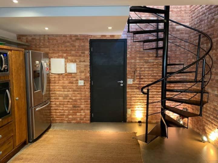 Finely decorated duplex penthouse Morumbi Einstein