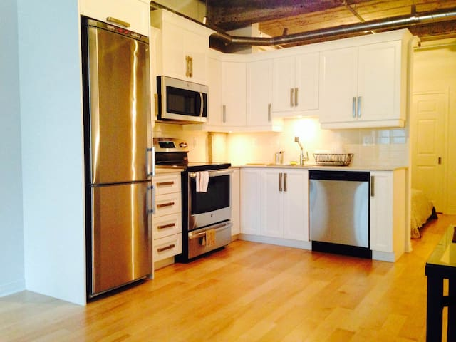 Cozy condo in central downtown - Montreal - Byt