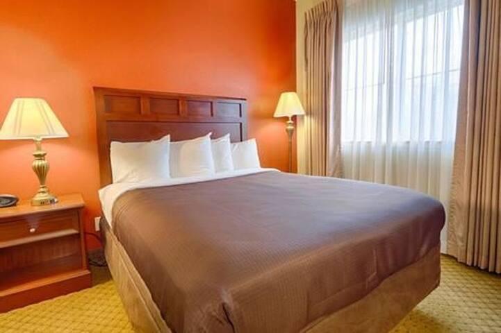 Convenient Mount Pleasant Hotel