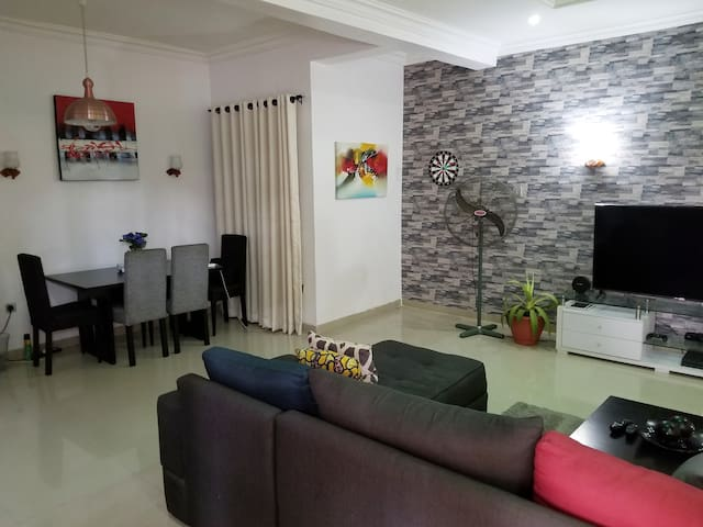 Luxury 3-bedroom terrace in Lekki