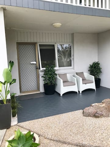 Caringbah South Homely Hideaway