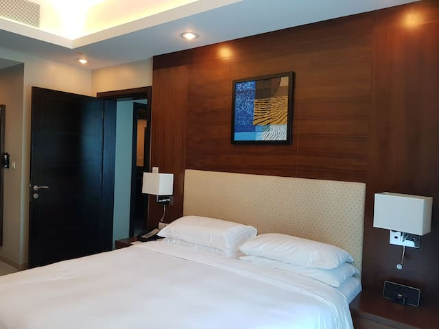 Business travelers 2bedroom,cleaning twice a week