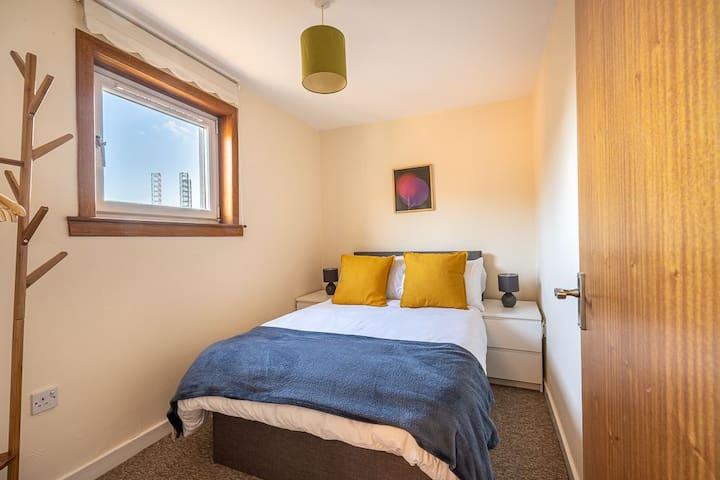 Double Bed on Upper Level