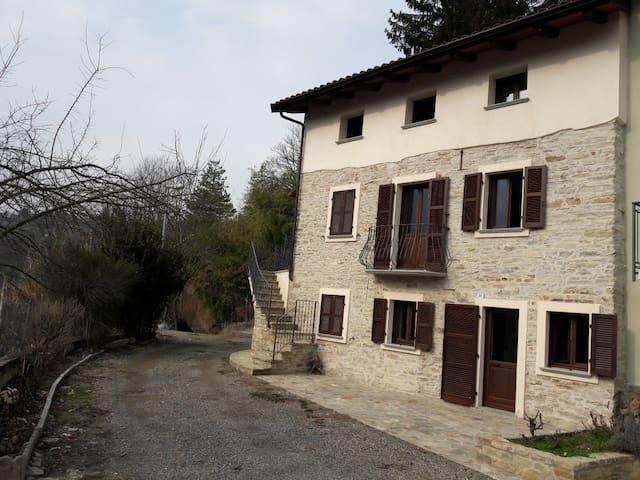 Casa dei Lauri in collina Acqui Terme