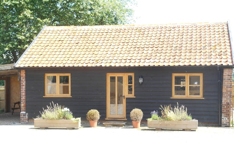 IDILIC HIDEAWAY RETREAT IN  BEAUTIFUL SUFFOLK