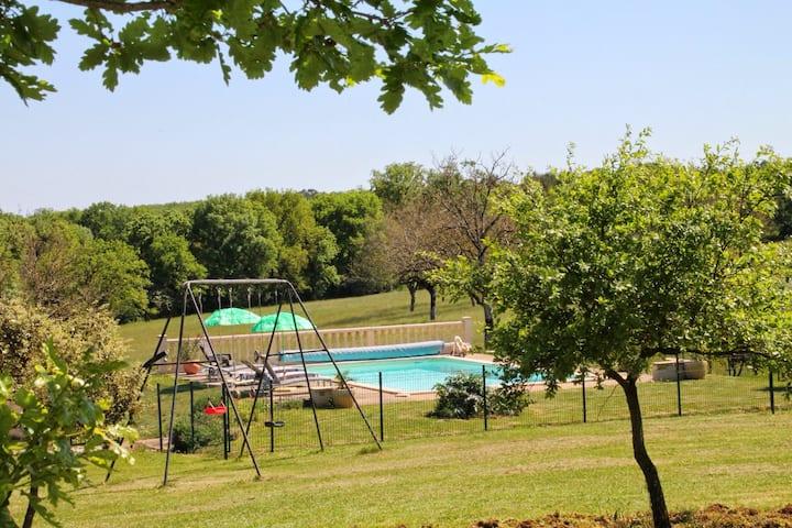 Maison de campagne avec piscine totalement privée