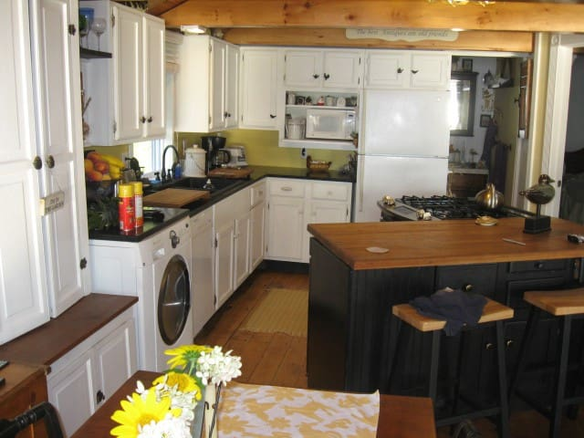 Addison Lakefront Cottage on Lake Champlain - Addison - Bungalow
