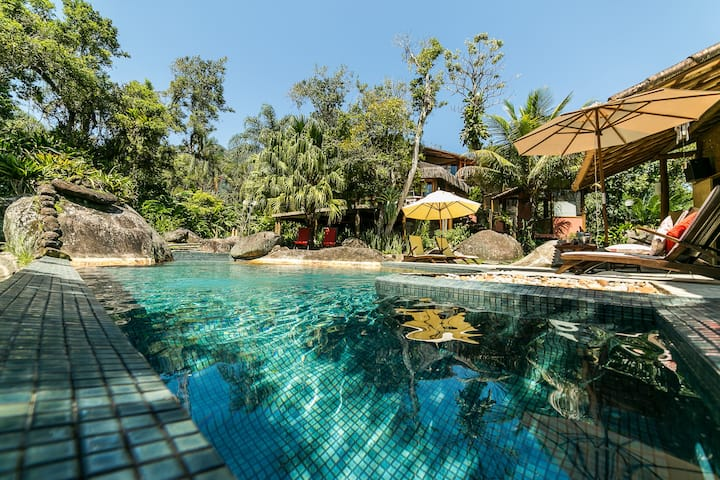 Chalé Mar varanda, piscina em pousada guest house