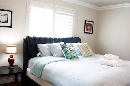 A Comfy King size Bed Suite, 2 full bathrooms.