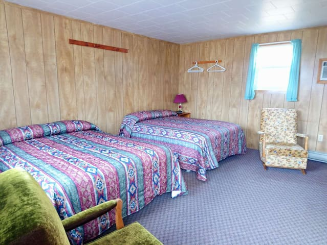 Rachel's Motel & Cottages  Motel#E