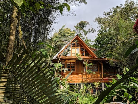 Nature Lover's Paradise - Riverside Cabin, Mindo