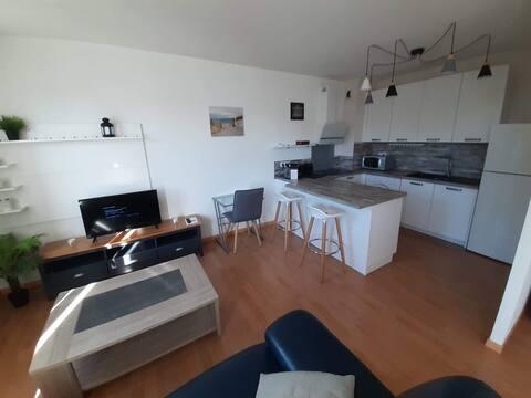 Appartement de standing 400m de la plage-Terrasse
