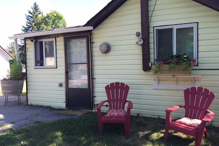 Country Cabin by the Trent River - Hastings