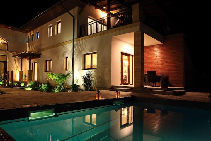 Villa Mandala Water - Gyenesdiás - Huvila