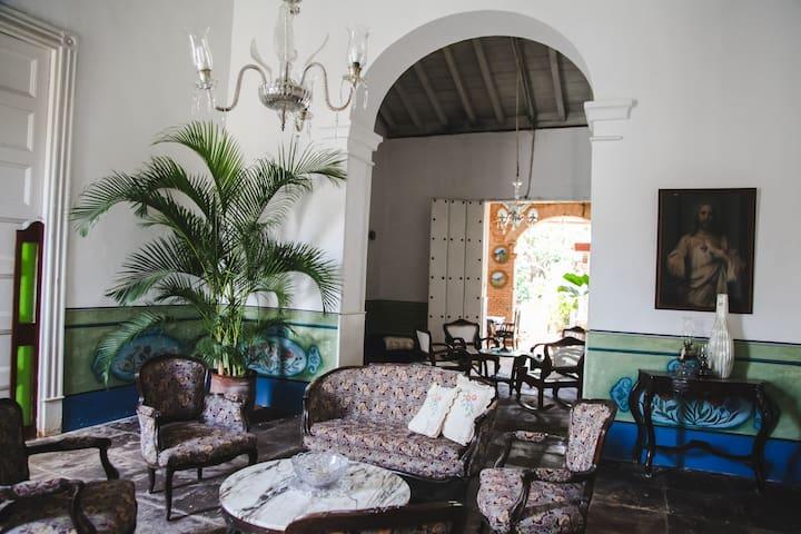 Gardenia'S Hostal Gutierrez Private Rooms