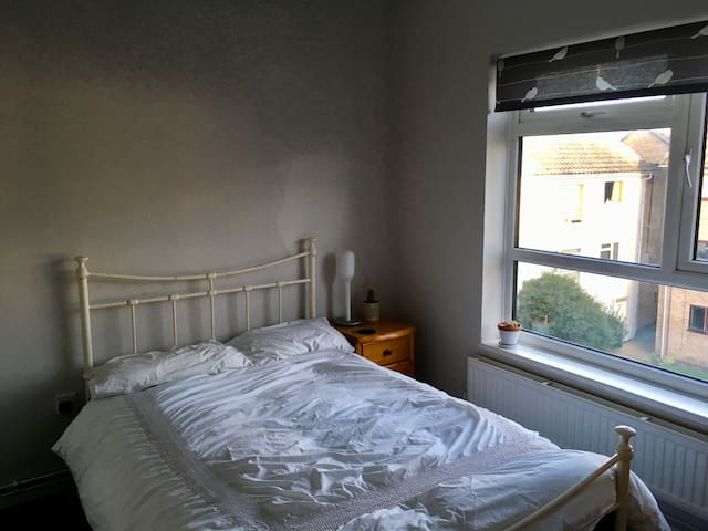 Bright double room in the City Centre