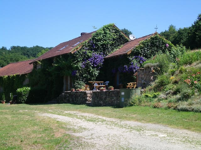 La Varache Rural Cottage 1 *** - Eymoutiers - House