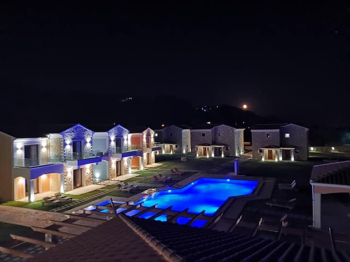 Erikousa Palace Suite E23