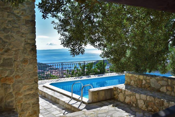 Villa Sara with Pool&Seaview **Super-Lastminute**