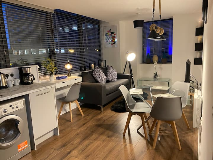 New Stylish Luxury  Apartment Heart of Liverpool
