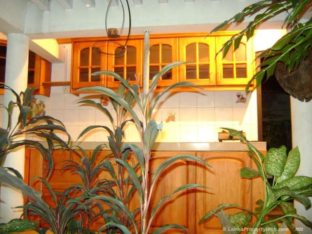 Tiled Furnished 3 A/C bed Roomed Semi deachedHouse - Weerasurikanda - Daire