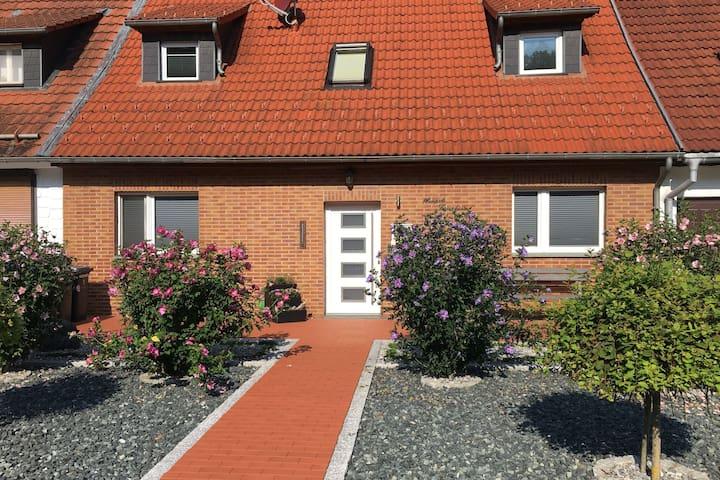Modern en licht ingericht vakantiehuis in de Harz met tuin en terras