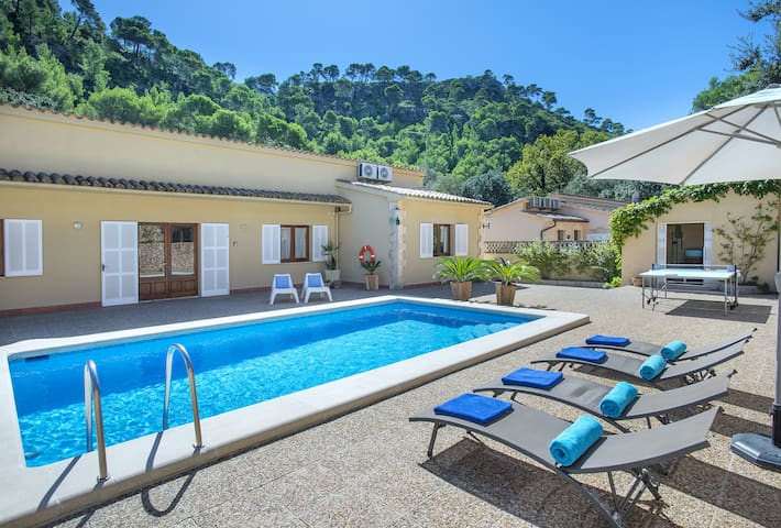 Superb Villa Vallori with Pool, 5 Miinutes Walk to the Beach Cala San Vicens