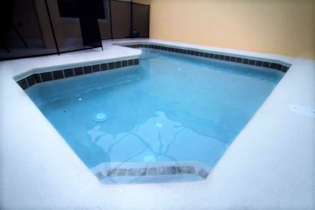 Private pool to enjoy the incredible Florida's weather with your family!!!  *Heated pool is possible by paying an extra fee