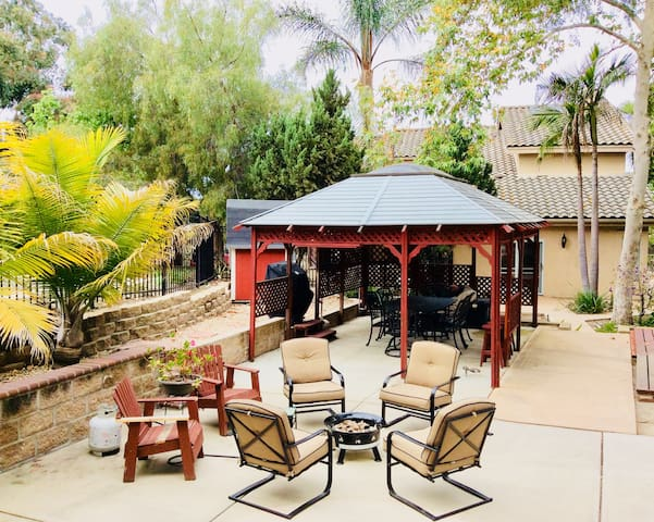 Private Garden Oasis- Reduced for August!