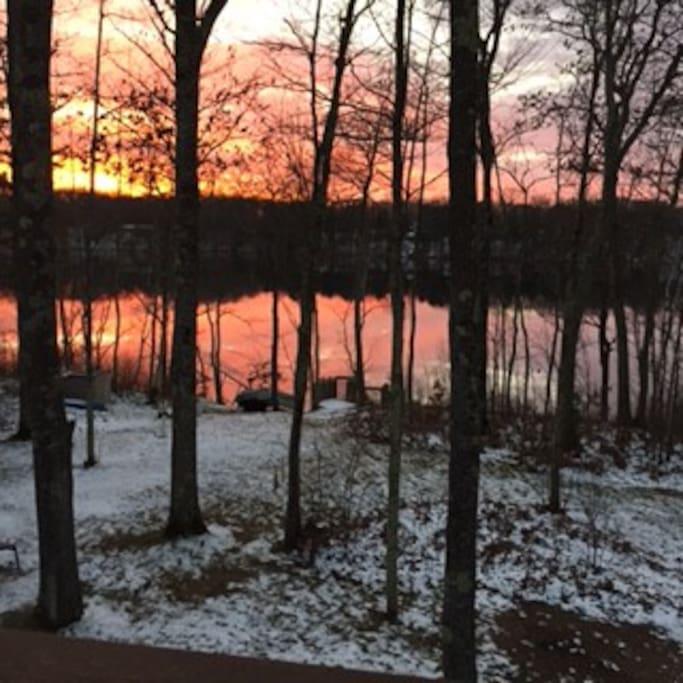 Winter sunset on Lovejoy