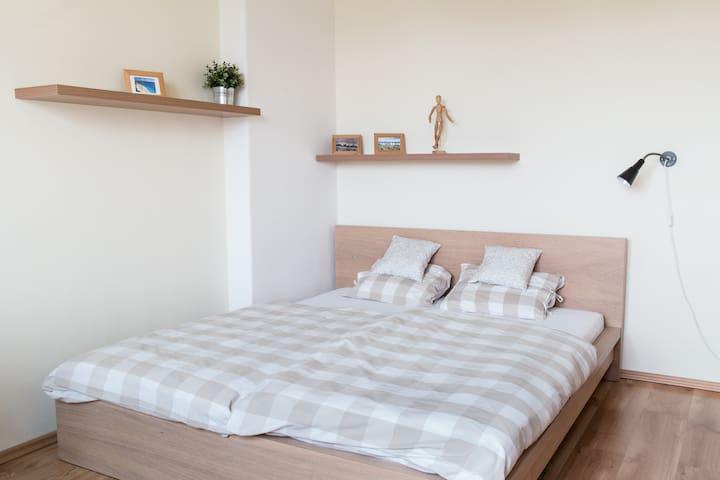 Comfortable apartment (54sqm) for 4 people - Brno - Apartment