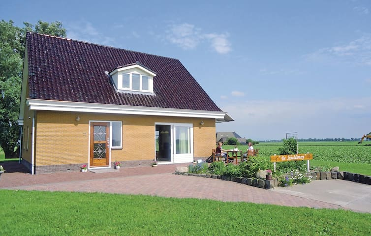 Holiday cottage with 3 bedrooms on 220 m² in Kollumerpomp