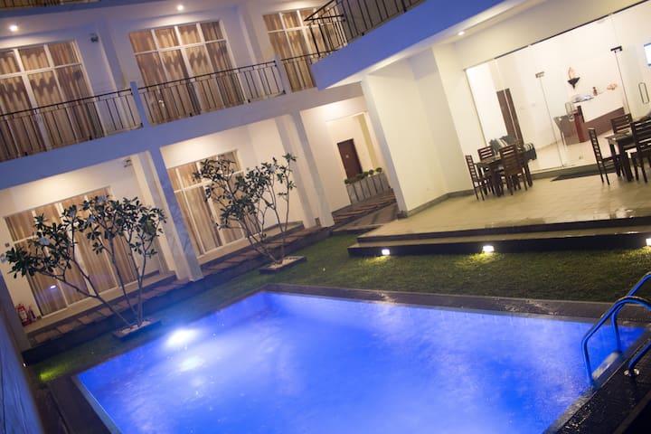 The Suite 262 Standard Room 6 - Negombo - Wikt i opierunek
