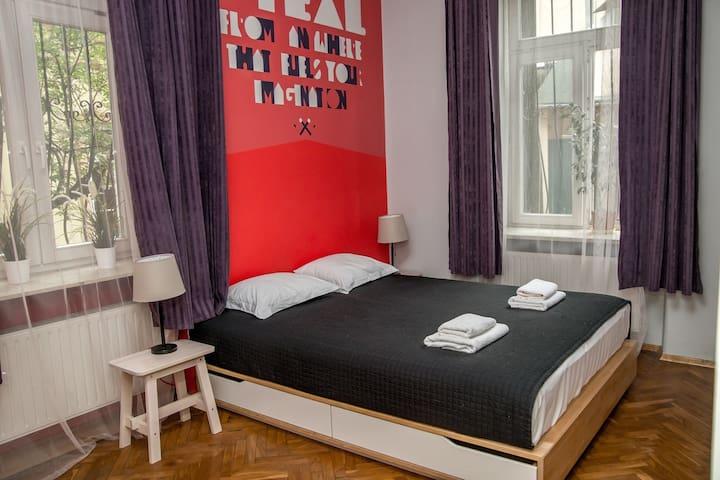 Red Kurka B (Old Town / Planty / Wawel /Kazimierz)