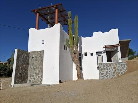 Santo Cacto 5 min Playa Central and ToroNet Wifi