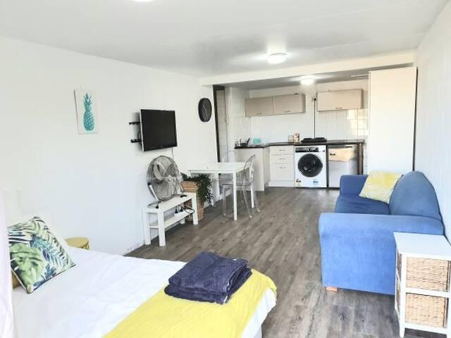 Small private studio near the beach
