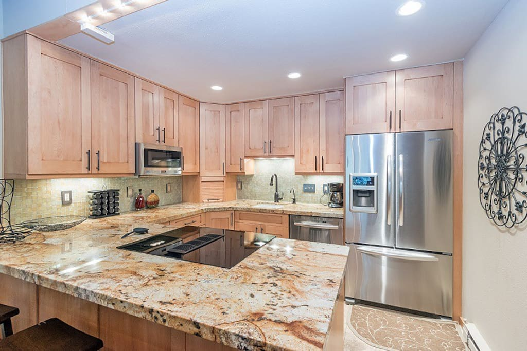 Riverside A01 - recently remodeled kitchen with granite counters, stainless appliances
