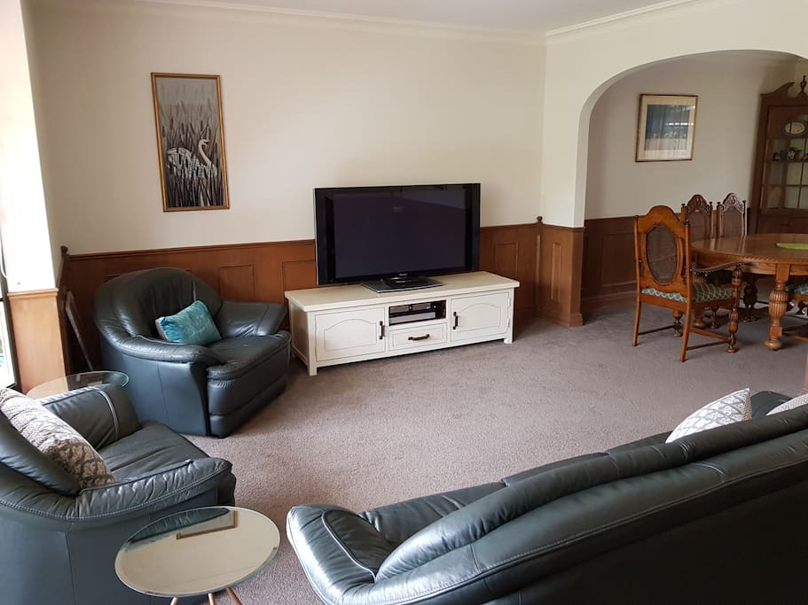 Lounge with flat screen TV