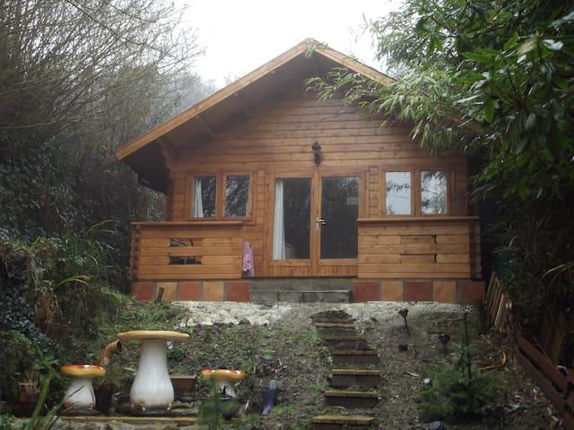 'Kaolin Lodge': Eden Retreat