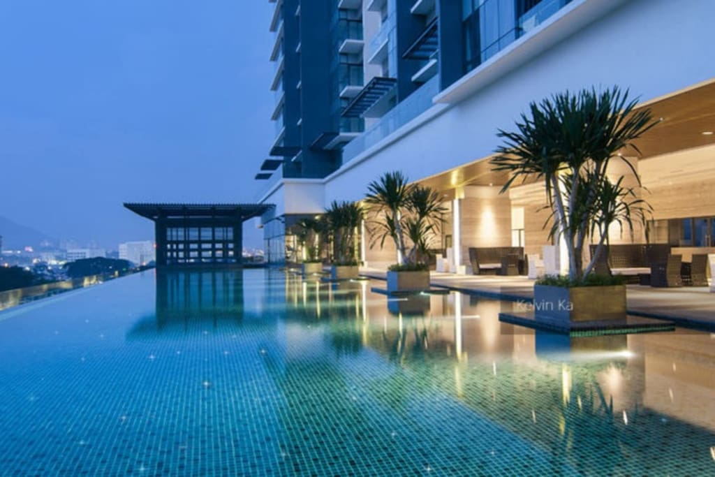6th floor Infinity Swimming Pool :)。无边泳池~~