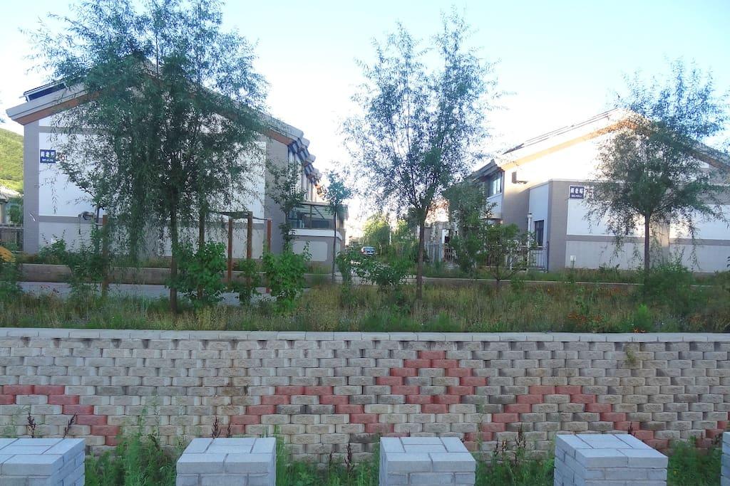 小镇排水渠