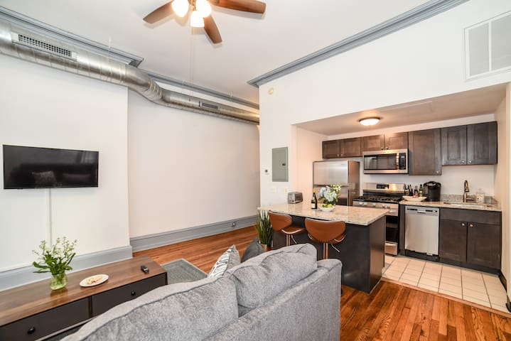 AWESOME Center City APT