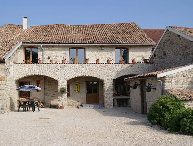 Chez Catharina - Levoncourt - Bed & Breakfast