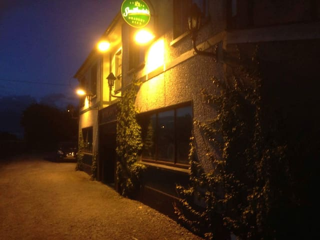 Old world Irish pub (character ) - Portlaoise  - Casa