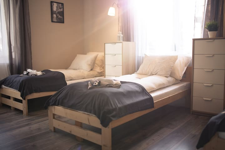 NAZARO 6 Cities Rooms Bydgoszcz- WENECJA- for 4