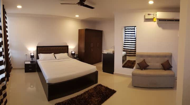 AC Deluxe Bedroom near Goa International Airport 1
